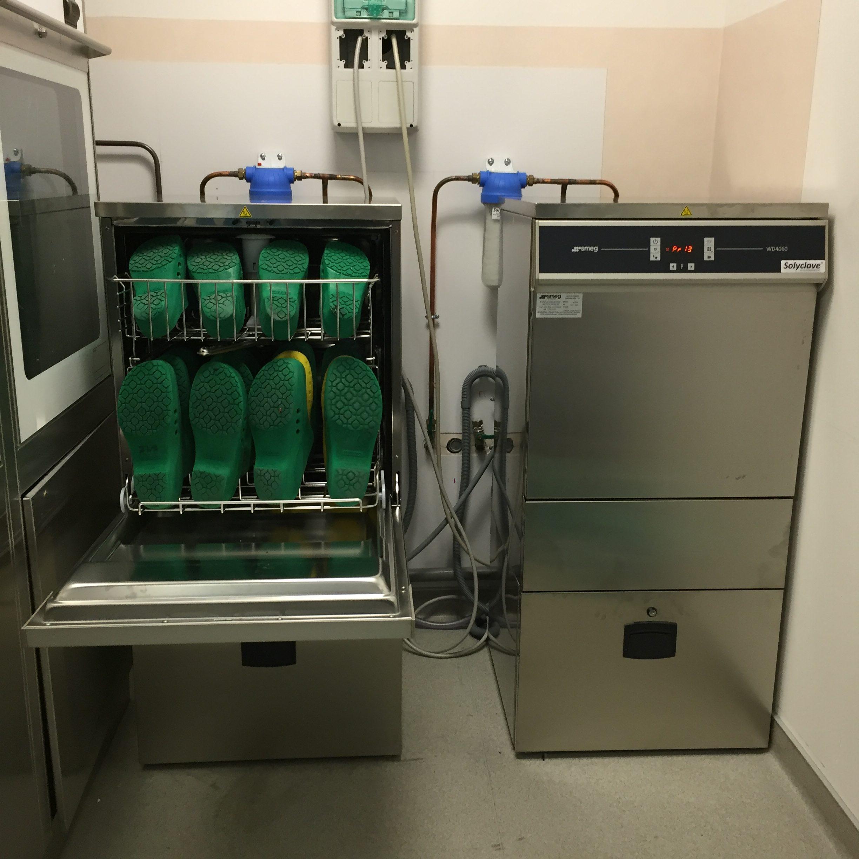 CHRU - 25000 Besançon - Nos équipements : 2 Laves sabots SMEG WD 4060